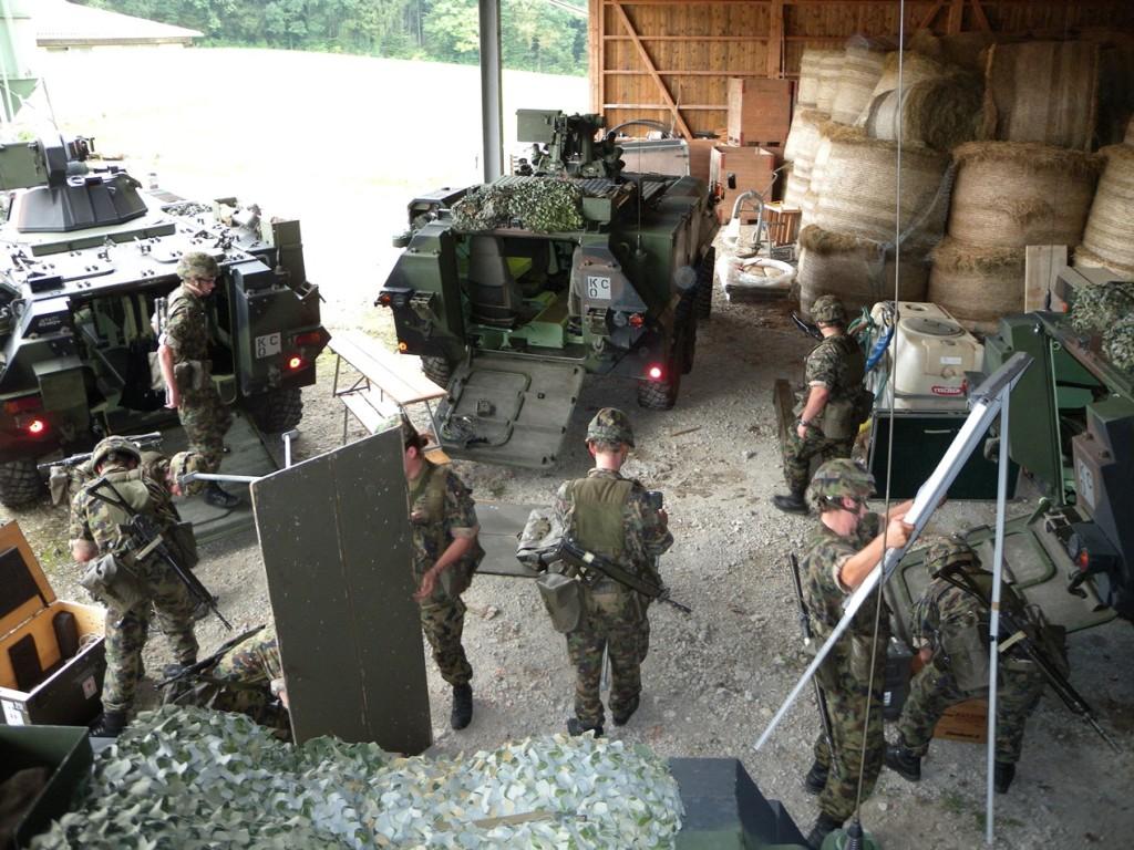 Die Führungsstaffel des Aufklärungsbataillons richtet den Führungsstandort ein. © Aufkl Bat 5